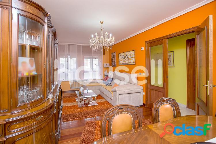 Casa en venta de 140 m² Calle León Felipe, 34003 Palencia 1