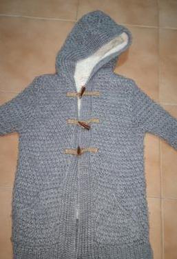 Abrigo de lana gris talla 7-8