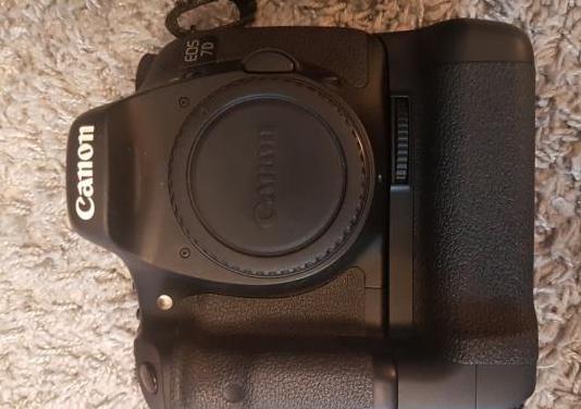 Camara de fotos eos 7d con tapa y cargador origina