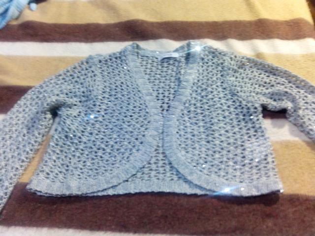 Vendo chaqueta tres cuartas de manga nueva por 5 euros