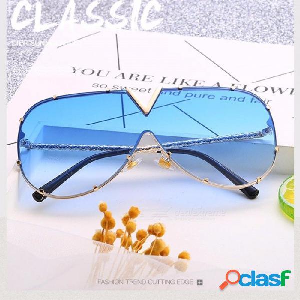 Nueva moda para mujer gafas de sol ovaladas de una pieza color océano lentes transparentes gafas de sol diseñador de la marca para mujeres negras