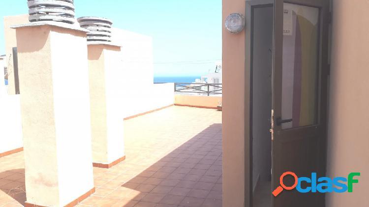 Candelaria adosado 4 habitaciones con 3 terrazas y vistas al mar