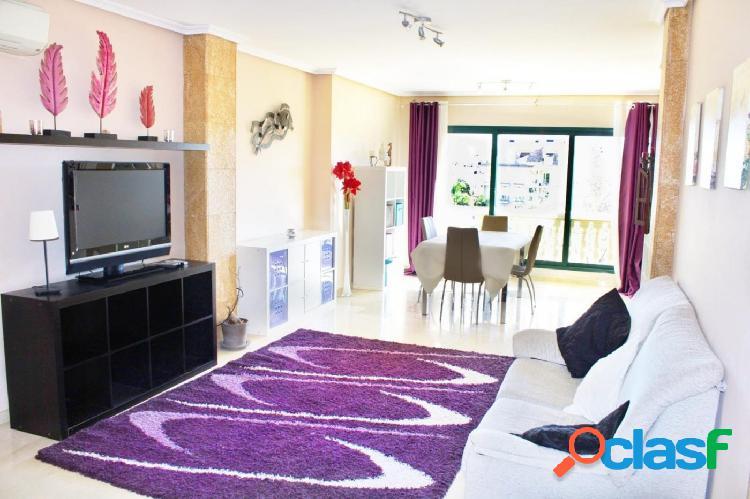 Ático dúplex de 4 habitaciones en venta en el puerto de Jávea 1