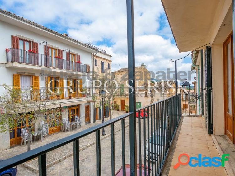 En venta edificio completo en Mancor de la Vall.
