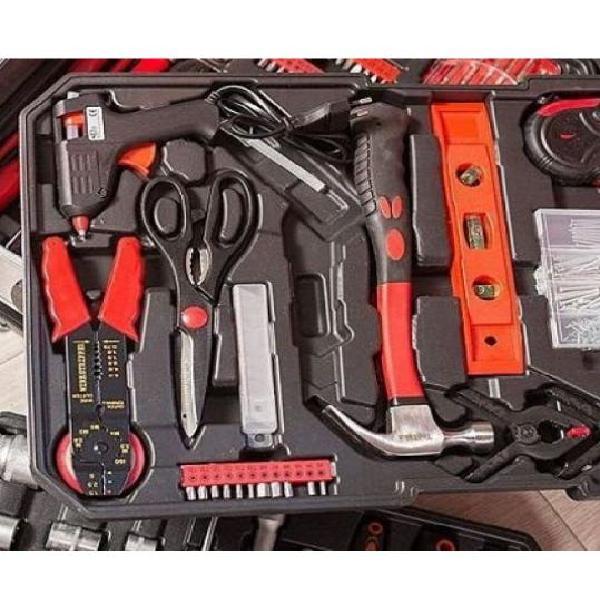 Lote de herramientas,maletín y artículos de traste