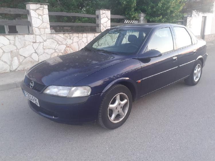 Opel vectra dti 100 cv año 2000 144.000km. 1.200 €