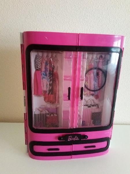 Armario de barbie