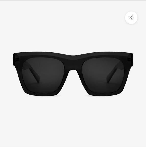 Gafas de sol polarizadas a estrenar con funda