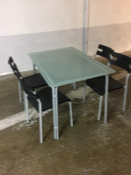 Juego mesa con sillas para cocina o exterior