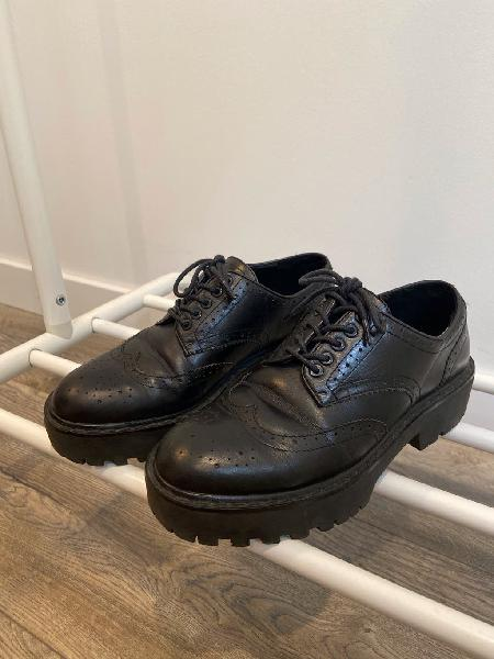 Zapatos blucher mujer zara