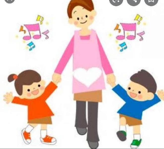 Cuidadora de niños/niñera