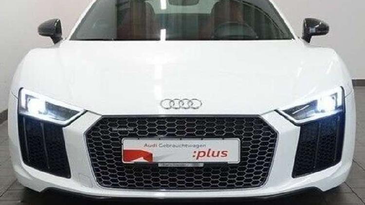 Audi r8 5.2 fsi v10 plus quattro *laser/virtual/kamera*