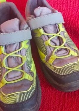 Botines zapatillas de montaña talla 33