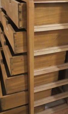 Cajonera de madera de haya de 1060x460x1000