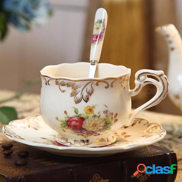 Tazas de café de porcelana europea creativa conjunto de accesorios de decoración del hogar juego de té de la boda de china