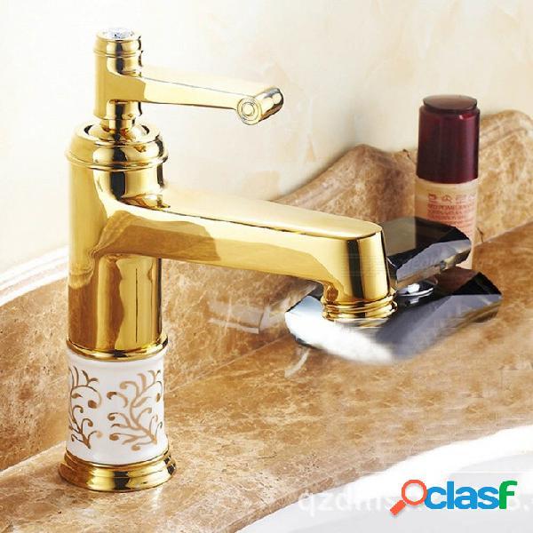 Grifo de agua de lavabo de estilo europeo zhaoyao con suministro de agua caliente y fría para el baño