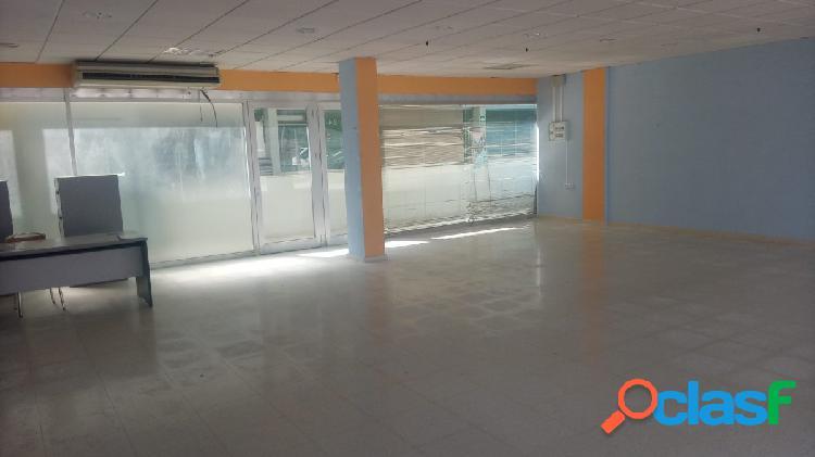 Local comercial de 100 m2, excelente fachada, totalmente diáfano, zona parque de poniente