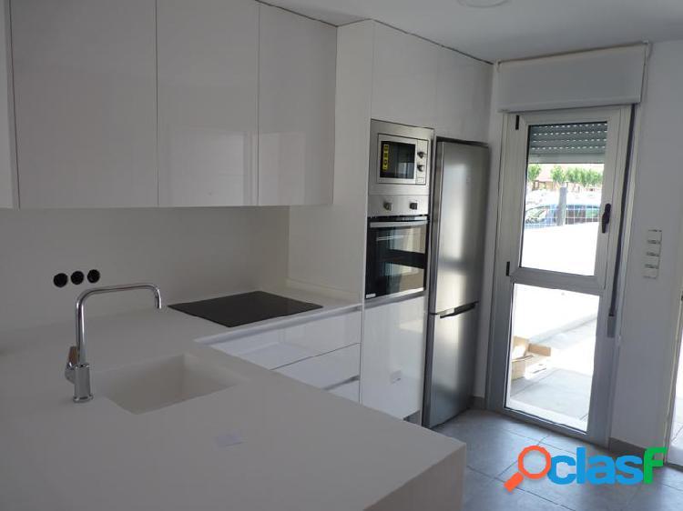 Adosado 3 dormitorios, 2 baños, jardín y solárium privado en San Javier 2