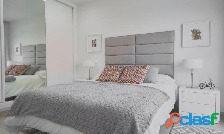 Villa con 3 dormitorios, 2 baños, 1aseo, jardín, piscina privada en Ciudad Quesada 3