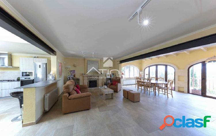 Villa reformada a un alto nivel en una zona tranquila del Montgó, Javea. 1