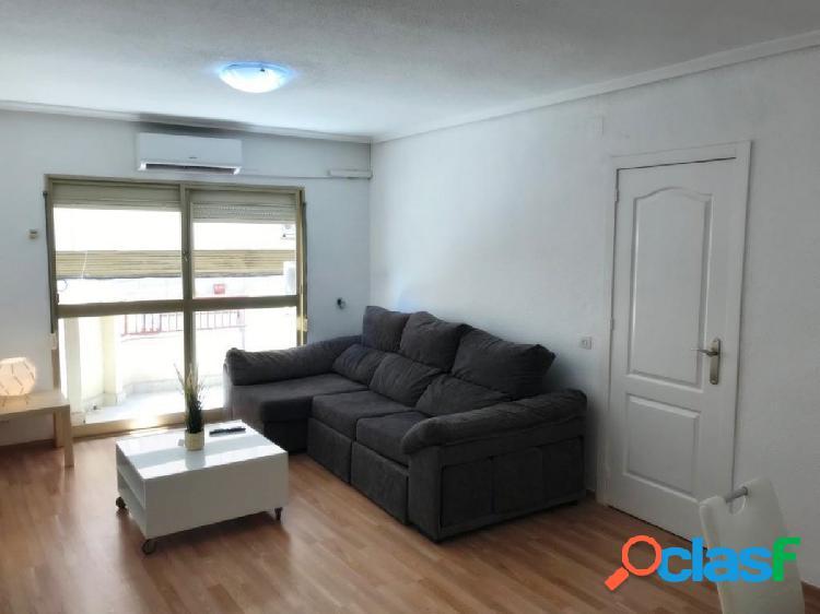 Apartamento Reformado en Centro Torrevieja: 3 hab, 2 baños 1