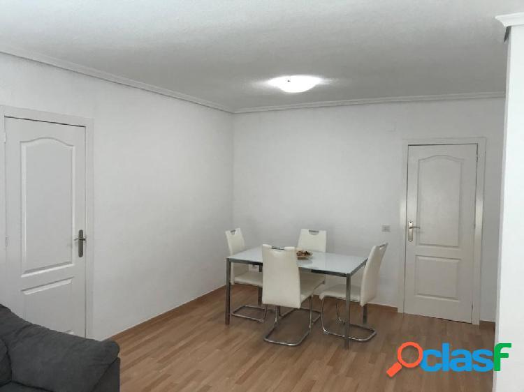 Apartamento Reformado en Centro Torrevieja: 3 hab, 2 baños 2