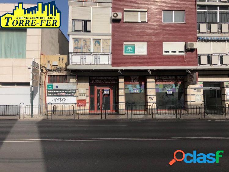 Local comercial en ctra. de ronda, junto a juzgados. 859 m2 construidos de local
