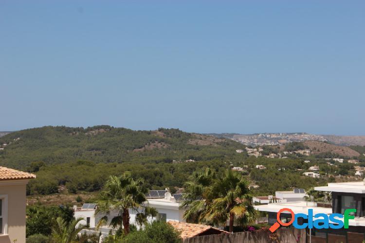 Hermosa parcela con vista al mar en venta en Javea 1