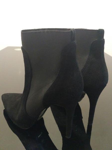 Pack sandalias zapatos y botines