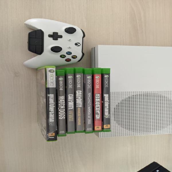 Xbox one s 1tb + 7 juegos