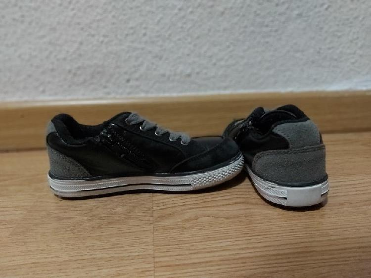 Zapatos casuales niño talla 27