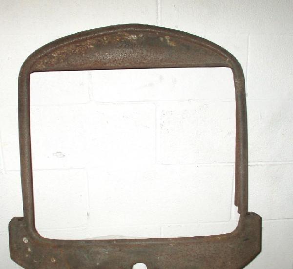 Auténtico marco de radiador de ford t de los años 20.