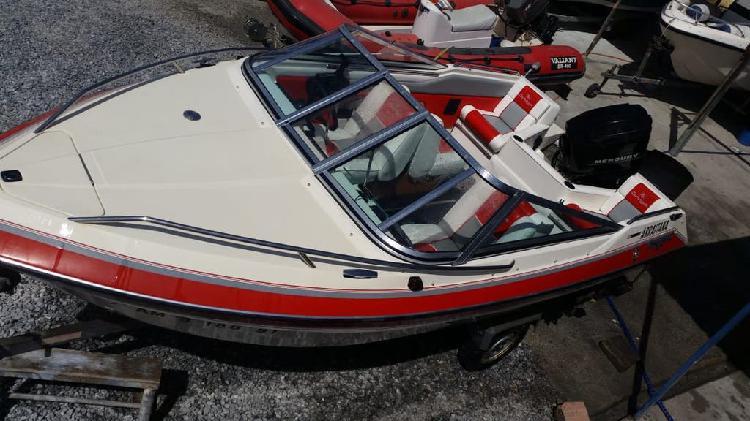 Barco glastron laraya futura 170