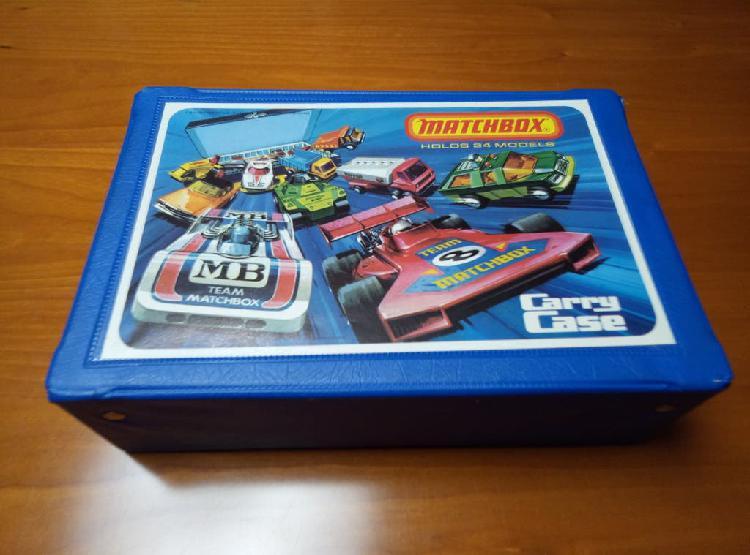 Caja original matchbox con 24 modelos años 70