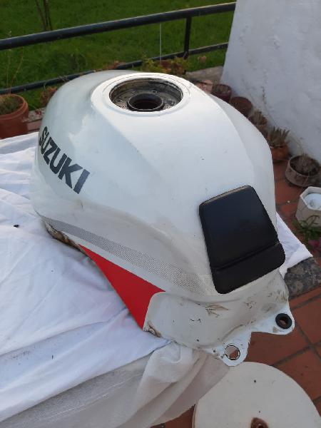 Depósito combustible suzuki gsx 750 f