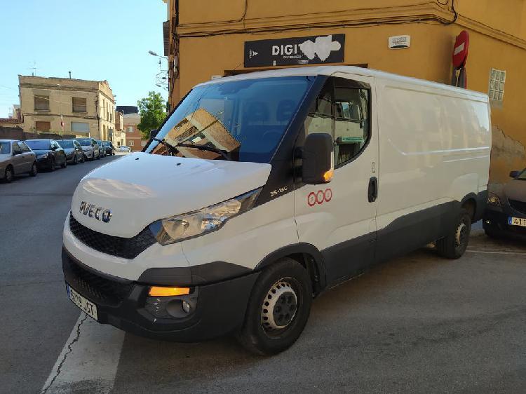 Iveco daily 35-130 manual 6 velocidades año 2015