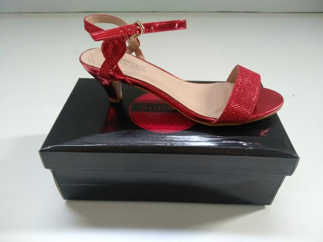 Stock zapatos tacon rojo