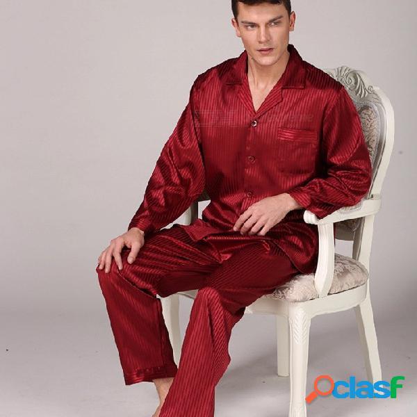 Conjunto de pijamas de satén de seda para hombre. conjunto de pijamas de manga larga con cuello camisón a rayas.