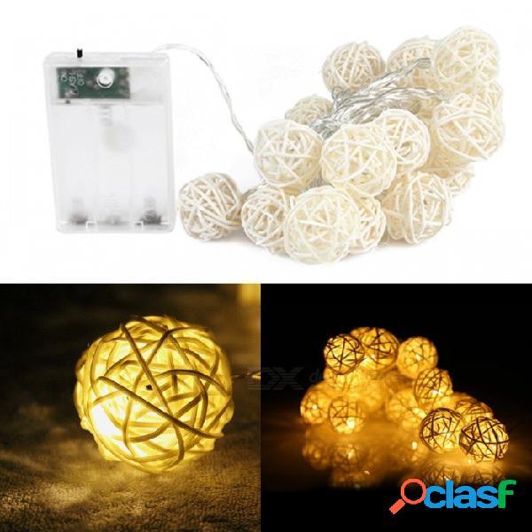 20-led sepak takraw light string, cadenas ligeras de la bola de la rota con pilas decorativas de los 2.5m para el blanco caliente de la fiesta de navidad / 0-5w