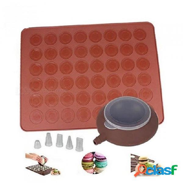 Kit de macaron de silicona con bandeja para hornear y decorar conjuntos de puntas pipa de glaseado de tuberías 4 boquillas 38 * 28cm marrón