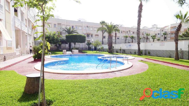 Apartamento ático 1 dormitorio con piscina