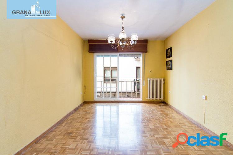 Magnifico piso junto Pza Nueva y Reyes Catolicos de 180 m2 para reformar a su gusto 1