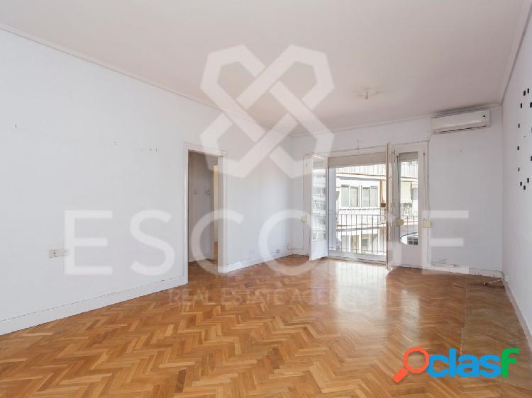 Piso de 2 habitaciones junto a Plaza Francesc Macia. 1