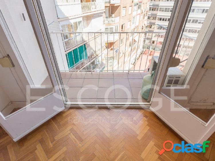 Piso de 2 habitaciones junto a Plaza Francesc Macia. 3