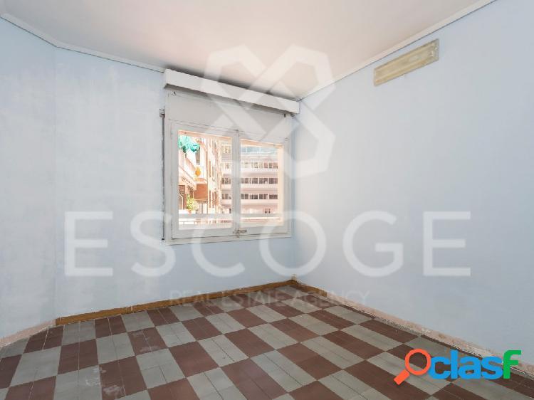 Piso de 3 habitaciones en Josep Tarradelles 1