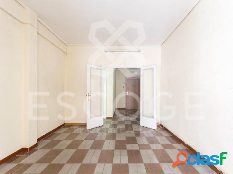 Piso de 3 habitaciones en Josep Tarradelles 2