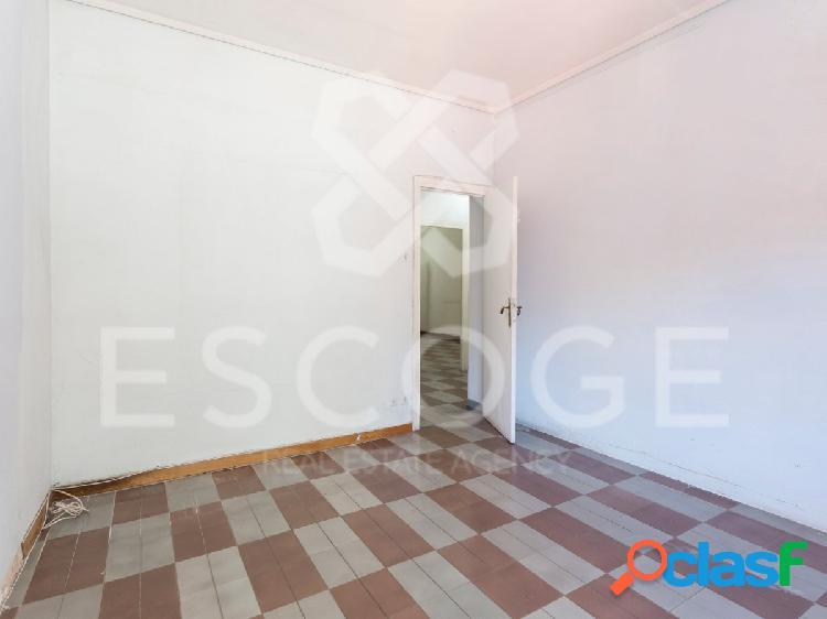 Piso de 3 habitaciones en Josep Tarradelles 3