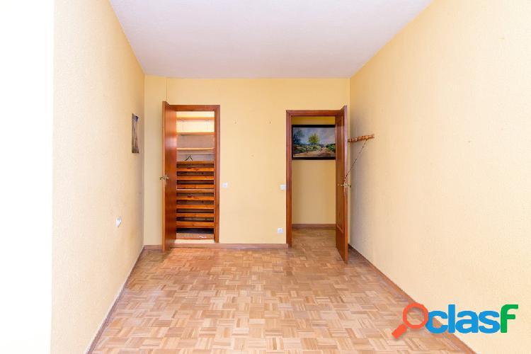 Magnifico piso junto Pza Nueva y Reyes Catolicos de 180 m2 para reformar a su gusto 2
