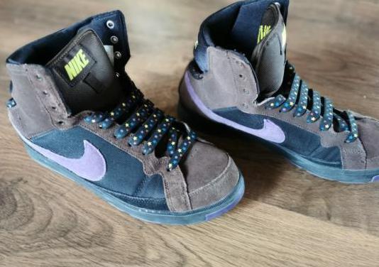 Nike air troupe