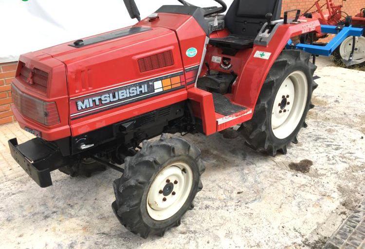 Venta de mini tractor mitsubishi mt16d 4x4 en valencia